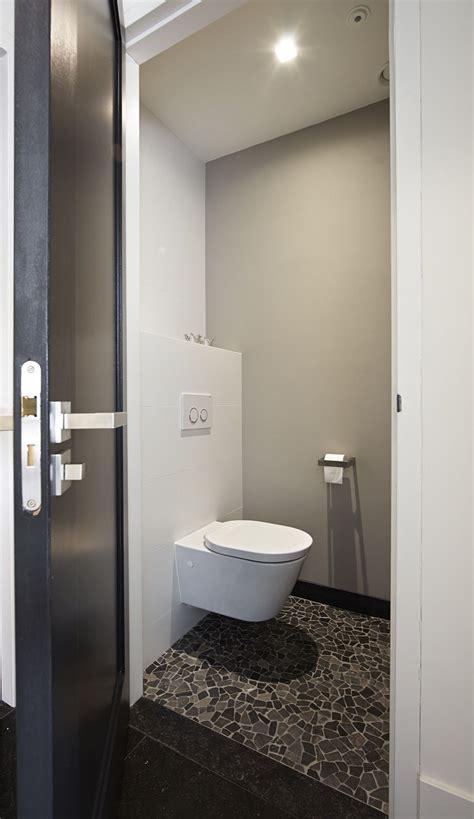 badkamer en toilet ideeen luxe toilet met glasmozaiek badkamer idee 235 n design