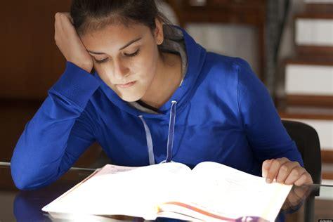 Sacrificing Sleep For Study Time Doesn't Make The Grade Huffpost