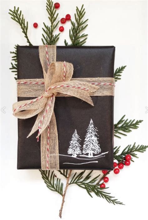 rustic christmas gift wrap idea plain black wrapping