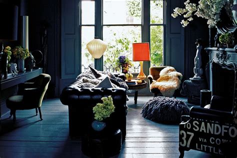 Dark & Dramatic Autumn Interiors Inspiration