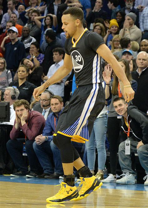 stephen curry scores  points   los angeles
