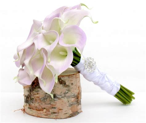 calla bouquet pictures calla lily bouquet real to touch lavender calla lily wedding bouquet calla lily bridal brooch