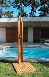 Douche Extérieure Pour Piscine : 70 id es inspirantes pour le design de la douche de jardin ~ Edinachiropracticcenter.com Idées de Décoration