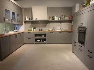 Küchen In Holzoptik : graue kueche arbeitsplatte die neuesten innenarchitekturideen ~ Markanthonyermac.com Haus und Dekorationen