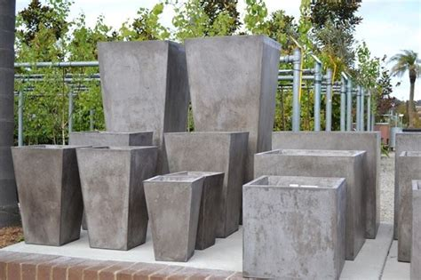 vasi per esterno in cemento vasi cemento vasi e fioriere vasi cemento arredamento