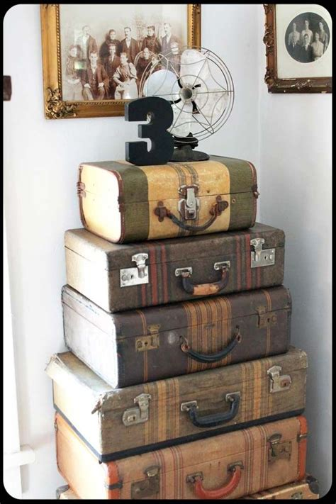 Decorating Ideas Using Suitcases by Best 25 Vintage Suitcases Ideas On Vintage