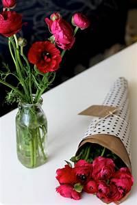 Unique Ways To Wrap A Flower Bouquet As A Gift