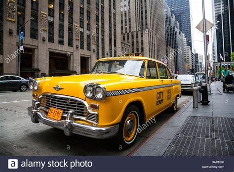 vintage gelb  york taxi nyc usa stockfoto bild