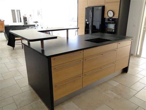 la cuisine est un plans de travail de cuisine marbrerie bonaldi