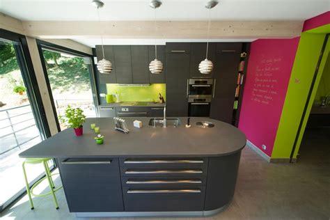 ilot central cuisine avec evier ilot central équippé d 39 un évier sk concept photo n 39
