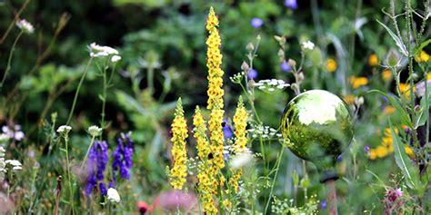 Garten Vogelfreundlich Gestalten by Der Naturnahe Garten Paradies F 252 R Insekten Und V 246 Gel