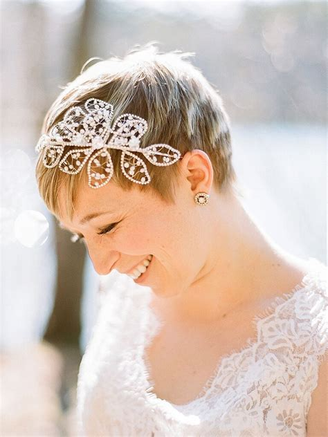 stunning wedding hairstyles  short hair