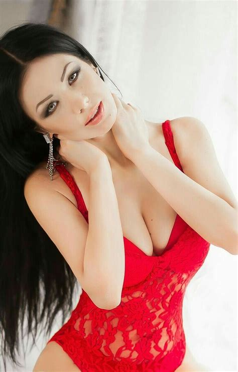 Pin On Girls In Sexy Red