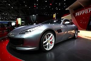 Ferrari Gtc4 Lusso : ferrari gtc4 lusso t makes paris motor show debut throttle blips ~ Maxctalentgroup.com Avis de Voitures