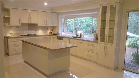 pictures of kitchen designs with islands kitchen designs with islands modern kitchen setting