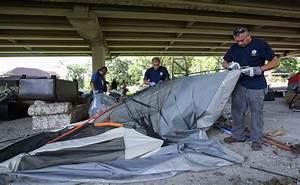 Houston homeless prepare for Harvey - Houston Chronicle