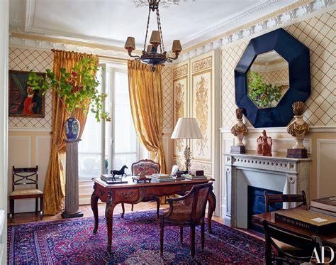 decorator timothy corrigan invites    paris