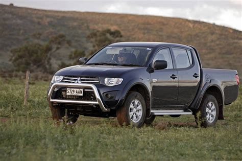 triton mitsubishi 2010 mitsubishi triton utility specifications photos 1