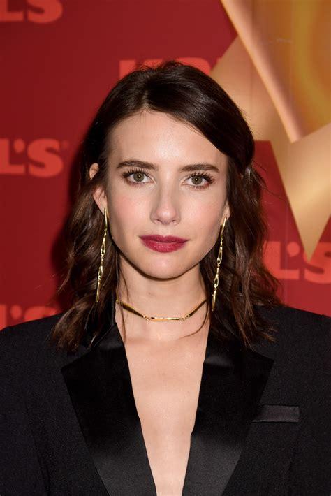 Emma Roberts Medium Wavy Cut - Hair Lookbook - StyleBistro