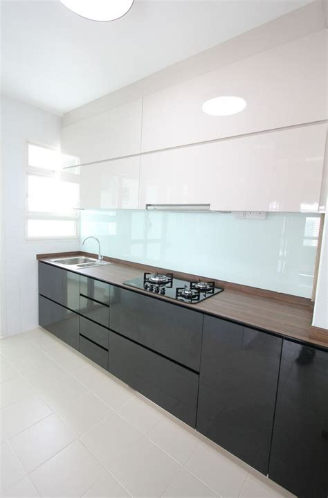 15+ Comely Kitchen Cabinets Black Bottom White Top