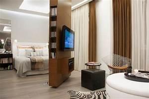 Raumteiler Wohnzimmer Schlafzimmer : raumteiler holz schlafzimmer wohnzimmer abgrenzen drehbare ~ Michelbontemps.com Haus und Dekorationen