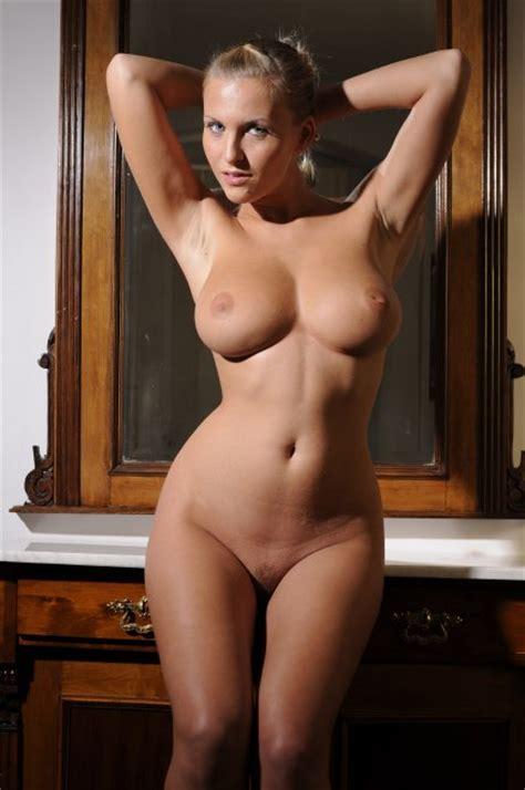 Hourglass Figure Porn Pic EPORNER