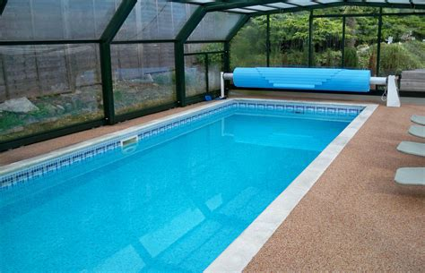 picture of swimming pool home www dunstableswimmingpools co uk