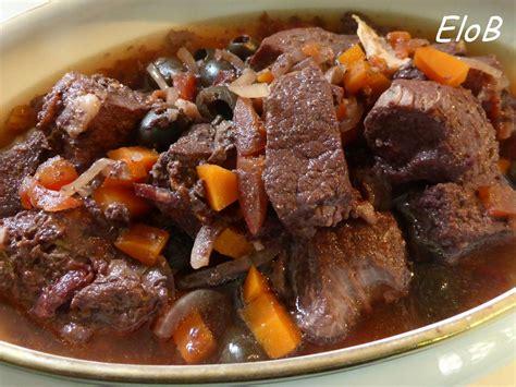 cuisiner le sanglier en daube daube de sanglier provençale elocuisine