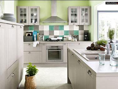 cuisine toscane cuisine taupe avec îlot toscane fly