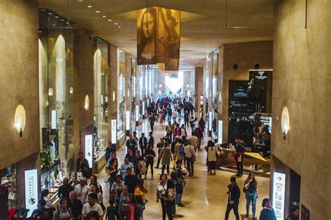 carrousel du louvre shopping center  paris france