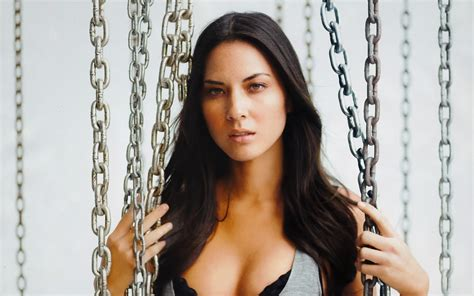 wallpaper olivia munn brunette freckles face chain