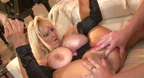 Mega Busty Blond Milf Tia Gunn Presents Solid Tit Fuck To