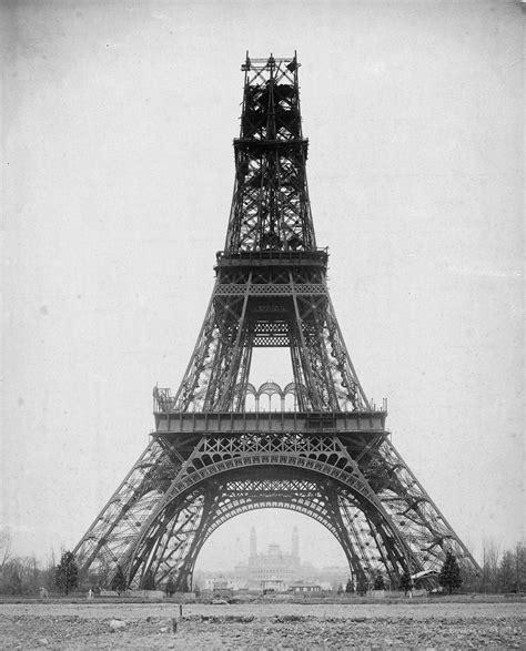 1887 1889 the building of the eiffel tower un jour de plus à