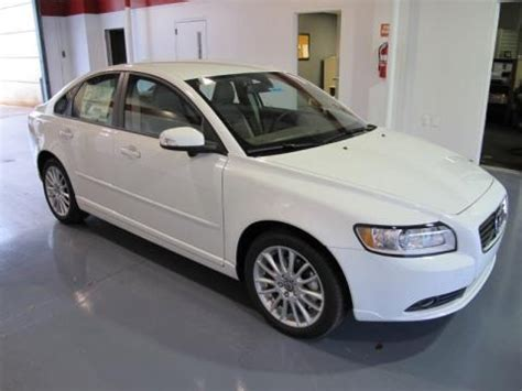 2011 Volvo S40 T5 by 2011 Volvo S40 T5 Data Info And Specs Gtcarlot