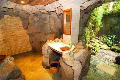 villa melati cave bathroom  ubud bali villas