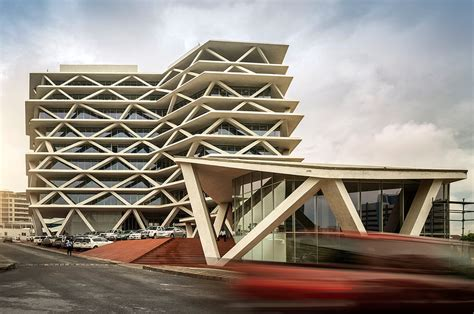 Reshaping Colonial Cities, African Architects Reclaim