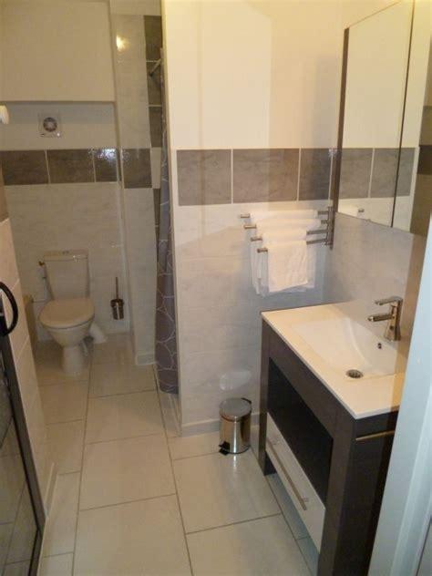 salle de bain chambre d hotes chambre 2 personnes à beaulieu en ardèche