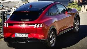 The new Ford Mustang Mach-E has a price from 38,404 euros|Ford
