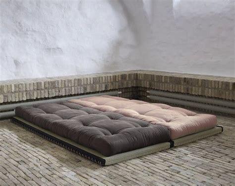 futon e tatami 25 best ideas about tatami futon on futon