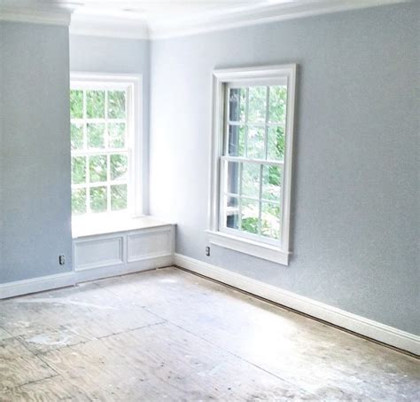 benjamin moore paint colors blue lace on walls and white
