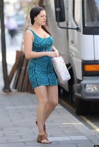 Good Shower Heads by Kelly Brook Goes Without Makeup As She Heads To Taking