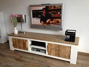 Bank Selber Bauen : tvs and modern on pinterest ~ Frokenaadalensverden.com Haus und Dekorationen