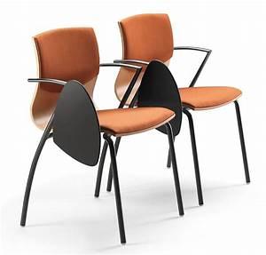Stuhl Mit Schreibplatte : bench f r wartezonen mit 3 st hlen und 2 tische idfdesign ~ Frokenaadalensverden.com Haus und Dekorationen