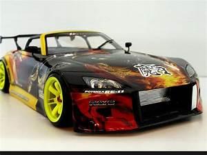 Voiture Télécommandée Drift : une voiture de drift de fou model r duit 1 10eme auto ~ Melissatoandfro.com Idées de Décoration