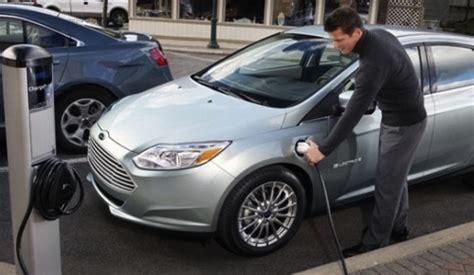 electric hybrid gas cars  saves money