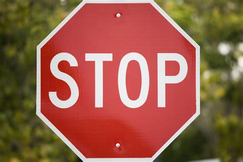 stop sign why cyclists should be able to roll through stop signs and ride through lights vox