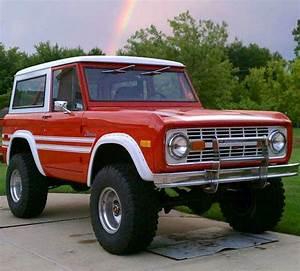 1st gen. Bronco | Ford bronco, Car, Cars