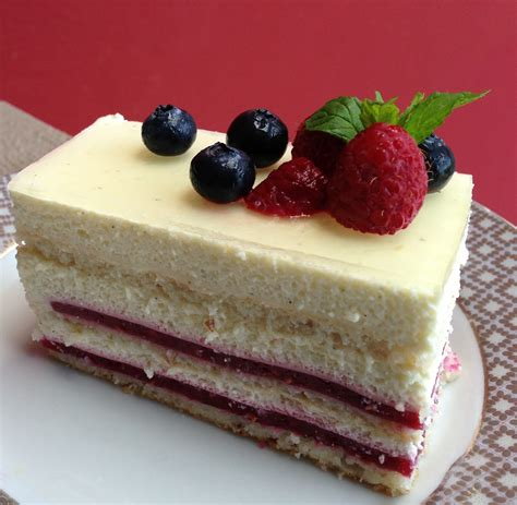 raspberry bavarian cream pie