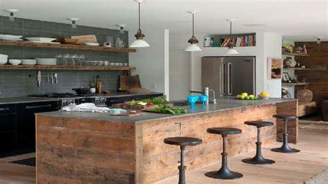 cuisine style industrielle parquet blanc dans une cuisine style déco industrielle