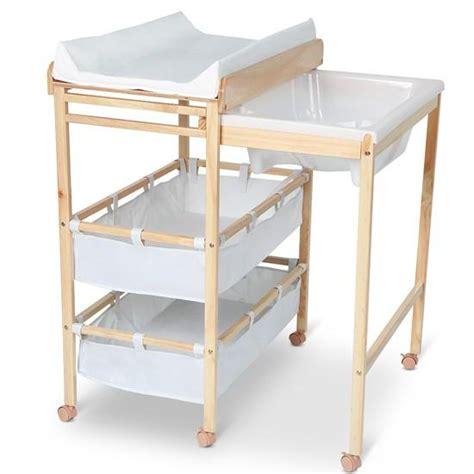 baignoire bebe table a langer table 224 langer pratique avec baignoire et rangement